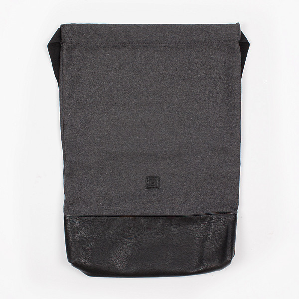 цена  Сумка UCON Volker Bag (Dark Grey)  онлайн в 2017 году