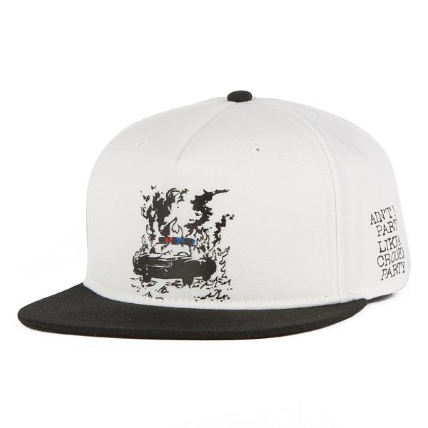 Бейсболка CROOKS & CASTLES Fit World Tour Snapback Cap (White-Black, O/S) guitar hero world tour купить pc