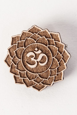 Значок SWAMI Lotus Om Natural фото