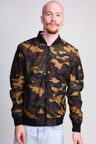 Куртка URBAN CLASSICS Light Camo Bomber Jacket (Wood Camo, S) куртка urban classics long bomber jacket black 2xl