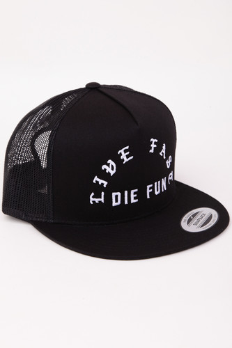 Бейсболка FAMOUS Famous Live Fast Die Fun Trucker Cap (Black, O/S)