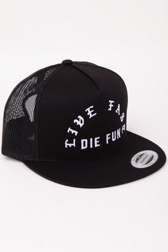 купить Бейсболка FAMOUS Famous Live Fast Die Fun Trucker Cap (Black, O/S) онлайн
