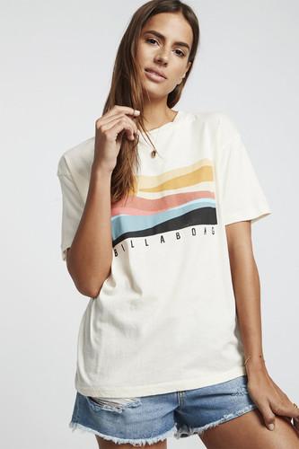Футболка женская Billabong Pipe Dream Ss (Salt Crystal, S) футболка женская levi s® tees graphic ss цвет розовый 1736904090 размер xl 50