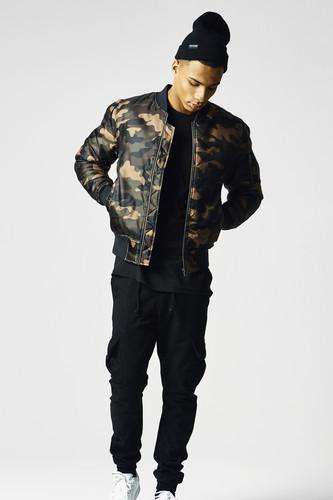 Куртка URBAN CLASSICS Camo Basic Bomber Jacket (Wood Camo, XL)