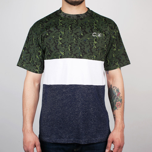 Футболка CROOKS & CASTLES Run This 2 (Digi-Camo, S) другие run this 4