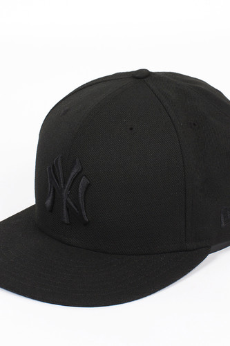 Бейсболка NEW ERA Black On NY (Black, 7 1/2)