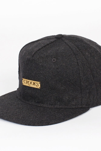 Бейсболка CROOKS & CASTLES Crooks Metal Badge Snapback (Charcoal, O/S)