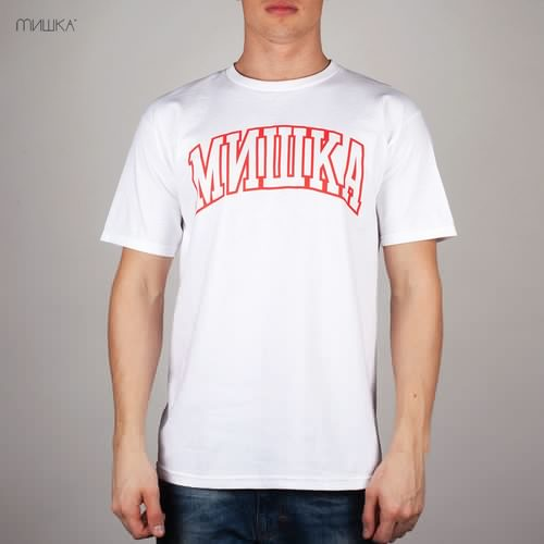 Футболка MISHKA Cyrillic Varsity SP131105C (White, L) футболка mishka davy jones locker white l