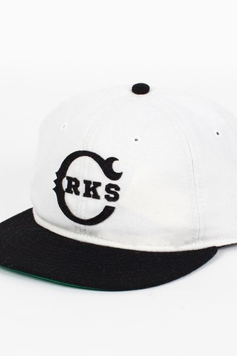 Бейсболка CROOKS & CASTLES I1360804 (Cream-Black, O/S) недорого