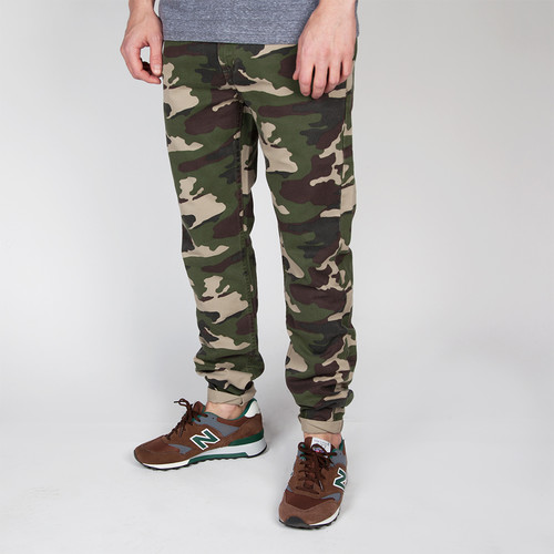 цена Брюки BACKYARD CARTEL Label (Woodland Camo, 34/34) онлайн в 2017 году