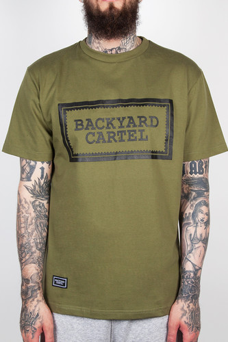Футболка BACKYARD CARTEL Label Logo FW14 (Khaki, XL) толстовка backyard cartel terra dark grey heather xl