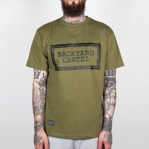 Футболка BACKYARD CARTEL Label Logo FW14 (Khaki, XL) бейсболка backyard cartel back fw14 black denim o s