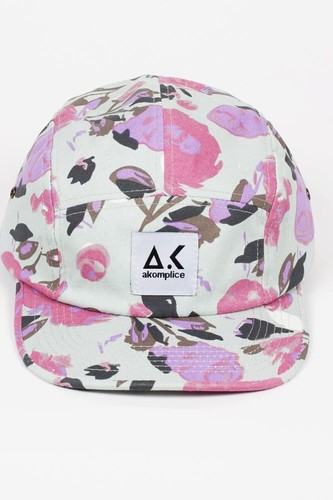 Бейсболка AKOMPLICE The Floral 5 Panel (Floral, O/S)