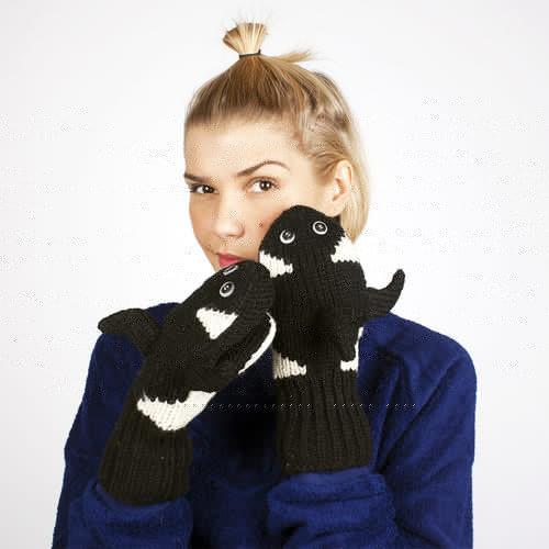 купить Варежки KNITWITS Orca (Black-White) по цене 650 рублей