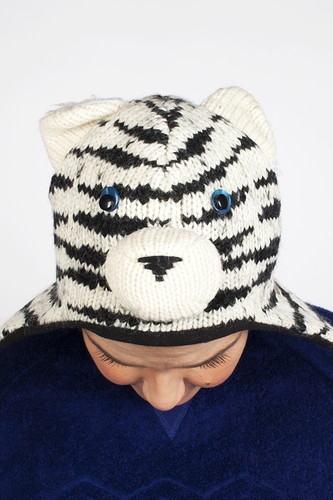 Шапка KNITWITS Sal The Siberian Tiger (White-Black) цена и фото