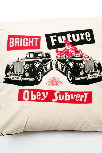 Подушка OBEY Bright Future Pillow (Cream)