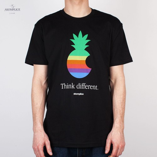 Футболка AKOMPLICE Think Different Tee (Black, S) printio apple think different