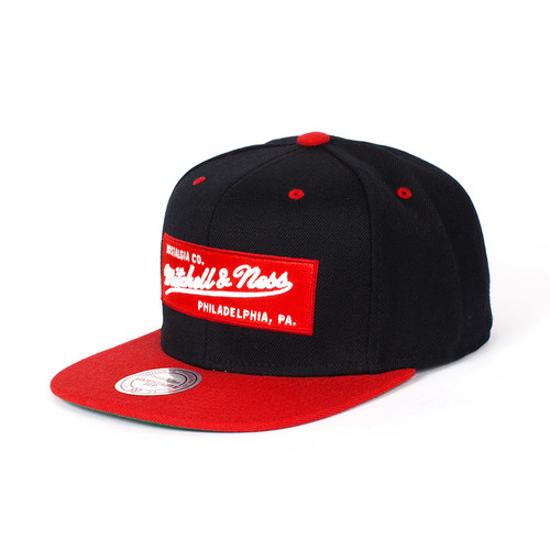 Бейсболка MITCHELL&NESS Own 2 Tone Label (Black/Red, O/S)