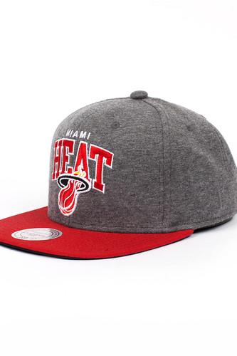 Бейсболка MITCHELL&NESS Miami Heat EU119 (Grey, O/S)