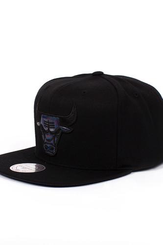 цена на Бейсболка MITCHELL&NESS Chicago Bulls EU421 (Black, O/S)