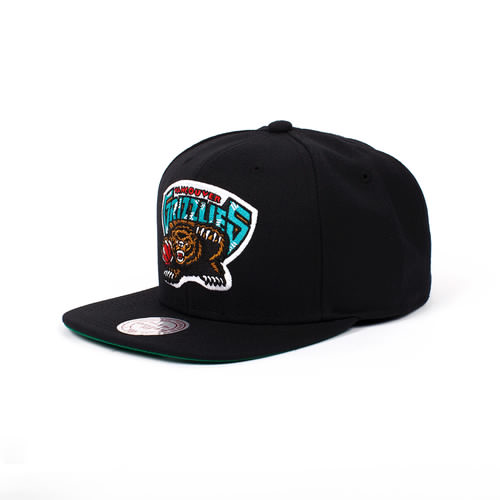 цена Бейсболка MITCHELL&NESS Vancouver Grizzlies (Black, O/S) онлайн в 2017 году