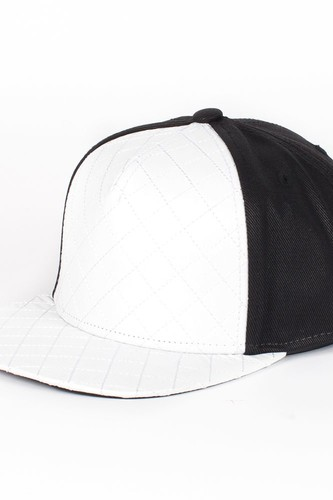 Бейсболка FLAT FITTY Quilted (White-Black, O/S)