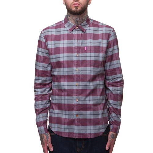 купить Рубашка MISHKA 1402B (Oxblood, M) по цене 1680 рублей