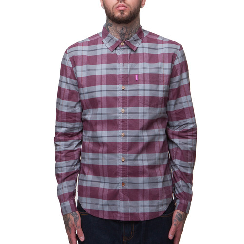 Рубашка MISHKA 1402B (Oxblood, M) цена в Москве и Питере