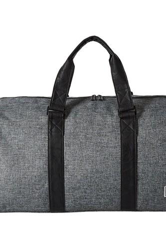 цена Сумка HERSCHEL RAVINE (Raven Crosshatch/Black Synthetic Leather) онлайн в 2017 году