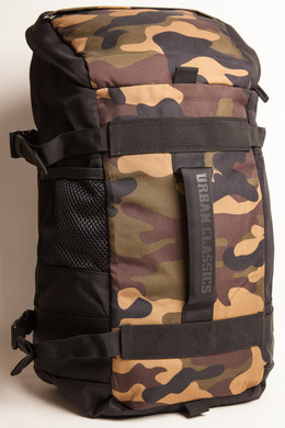 Рюкзак URBAN CLASSICS Traveller Backpack Black/Camo фото