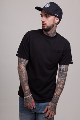Футболка CROOKS & CASTLES Loco Pocket T-Shirt Black фото